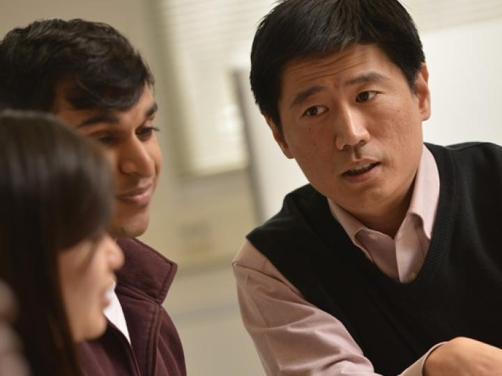 ACPHS Faculty Member Andy Zheng Speaks with Students